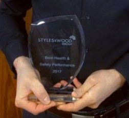 DL M&E Awarded Health and Safety Supplier of the year 2017 from Styles and Wood